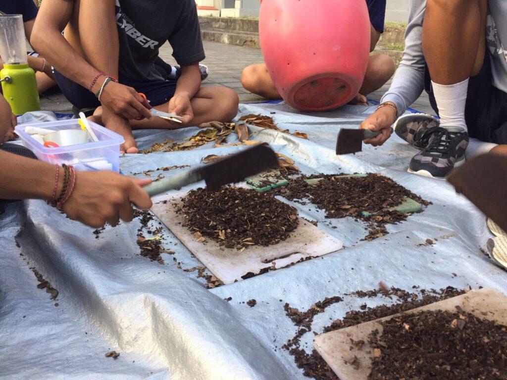 Pembuatan kompos SMA Negeri 4 Denpasar